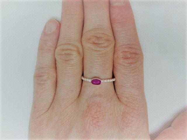 Zilveren ring met roze agaat