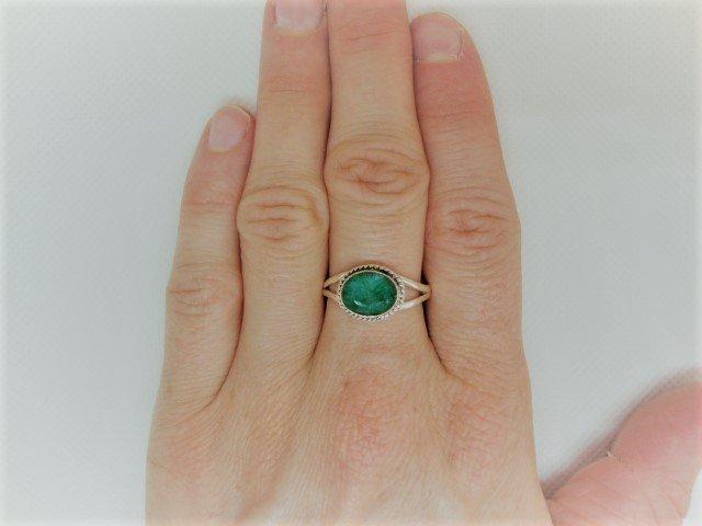 Zilveren ring met smaragd