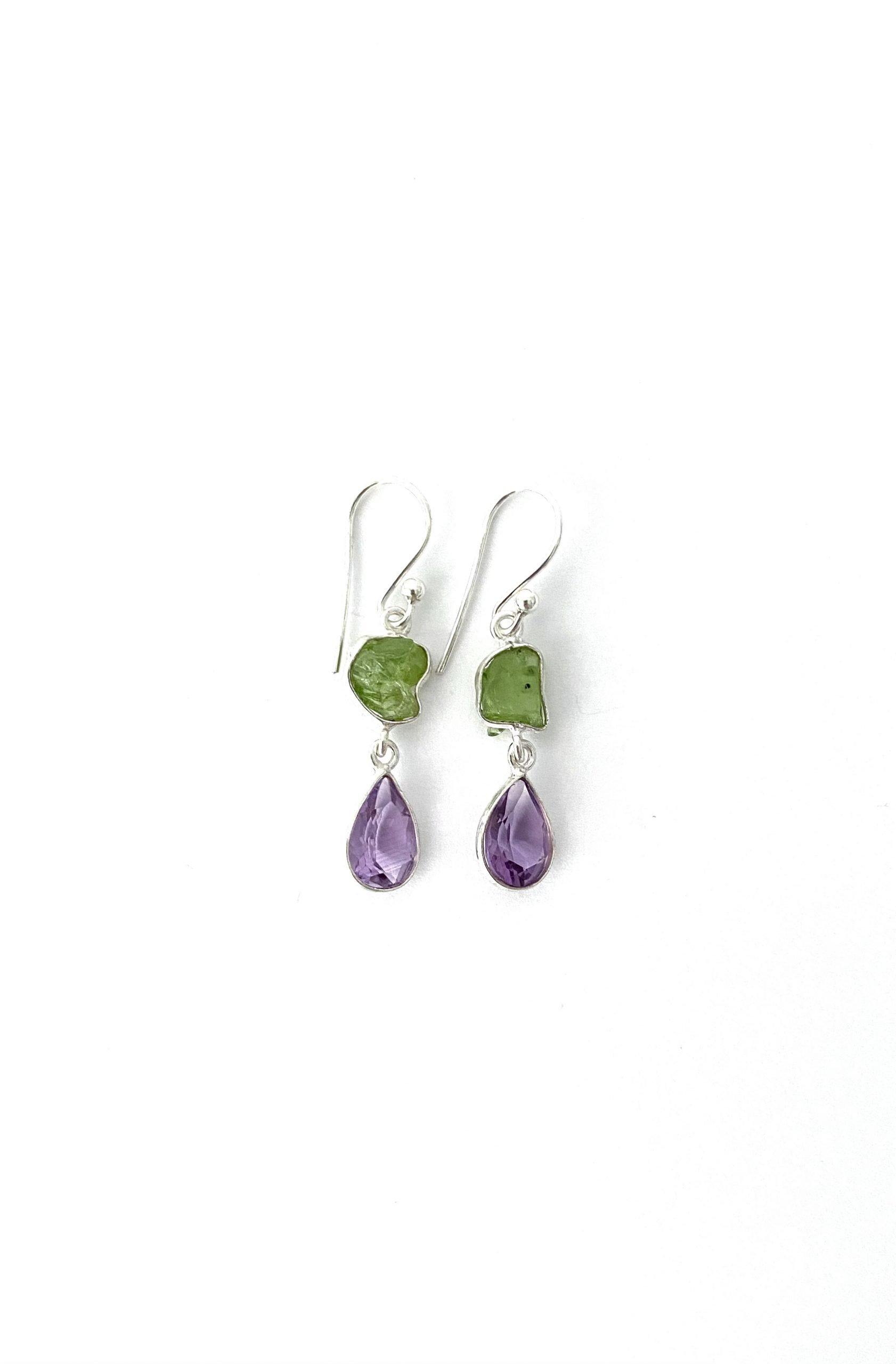 Zilveren oorbellen met amethyst en peridoot