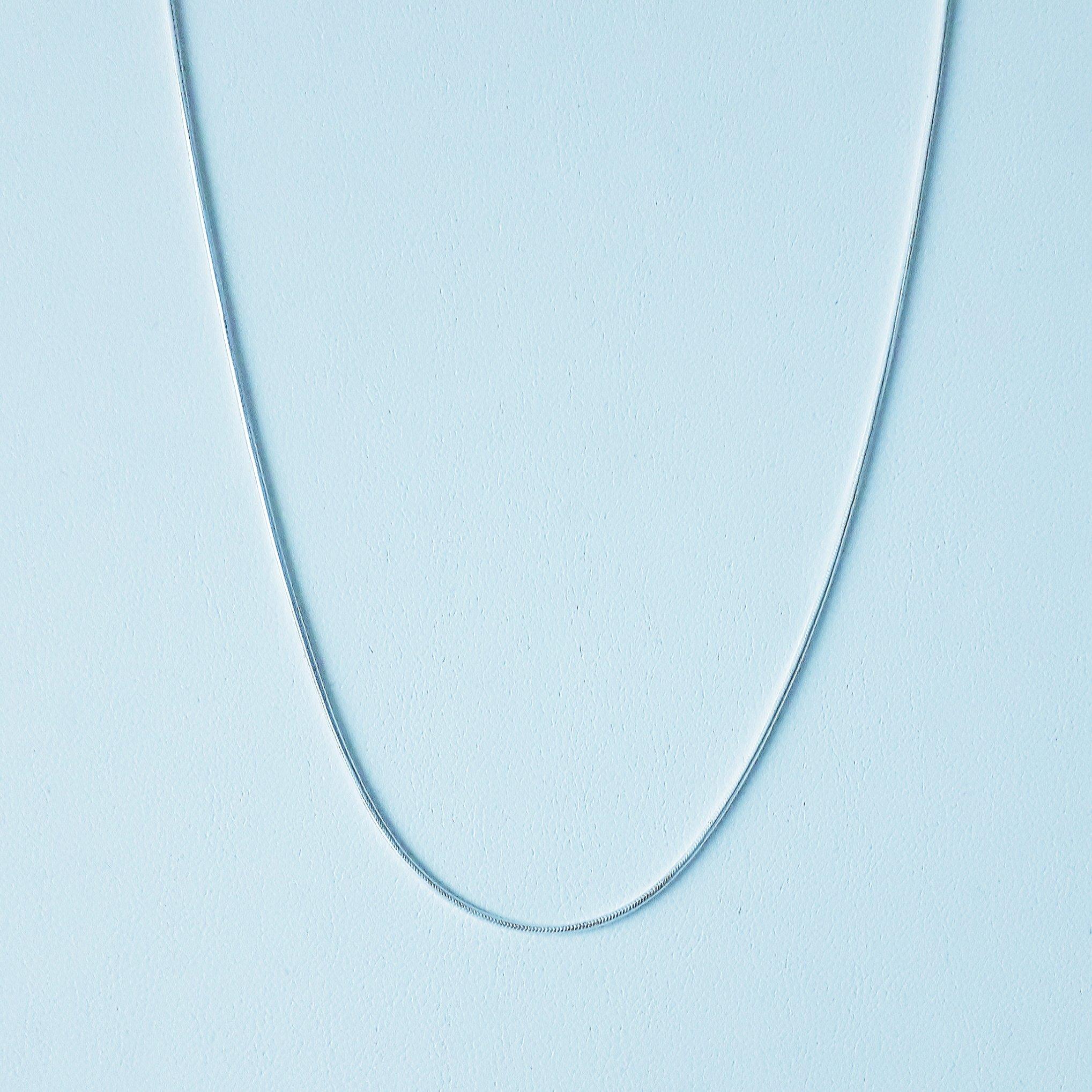 Zilveren ketting. 45 cm