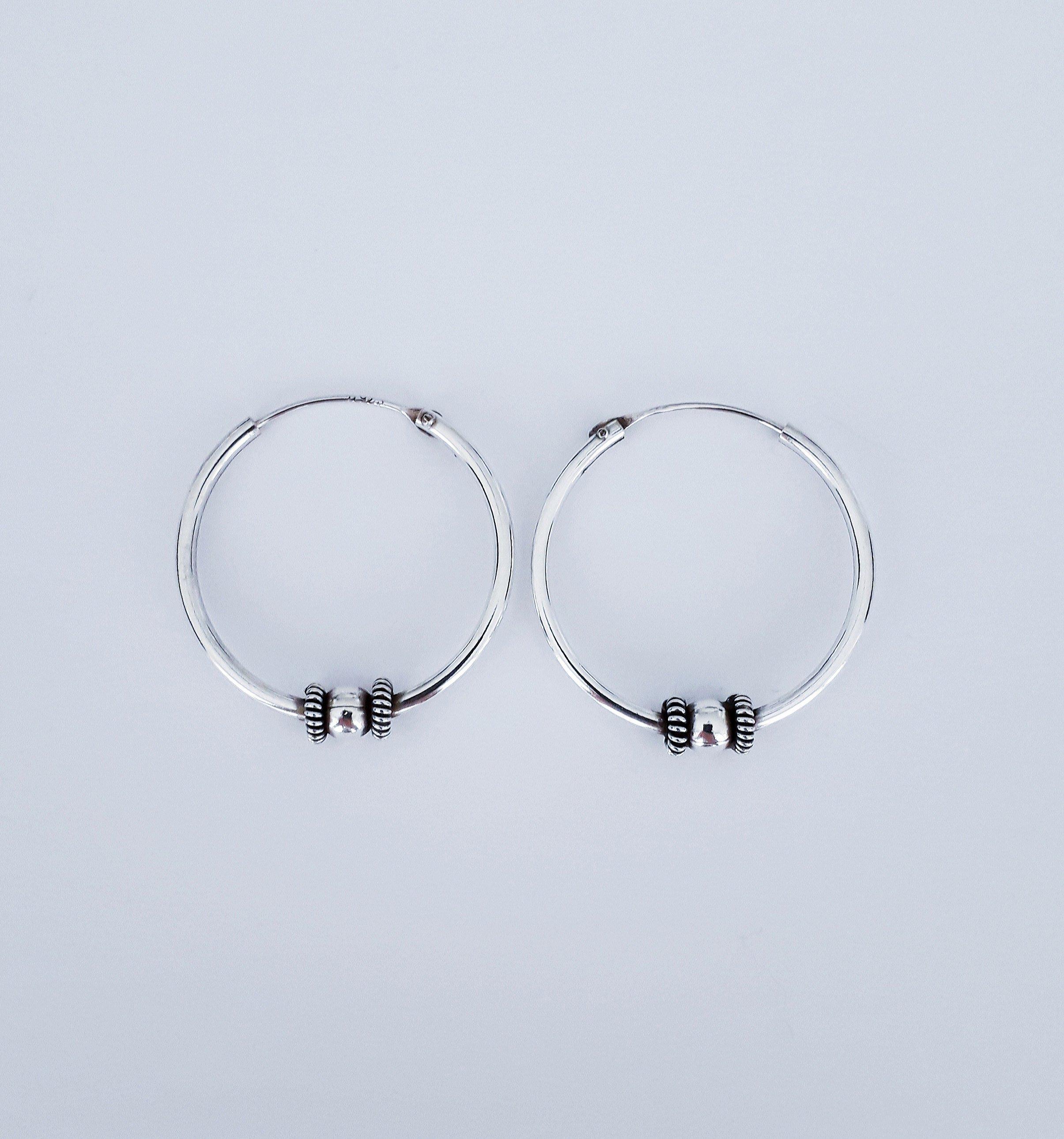 Zilveren oorringen. 22 mm.