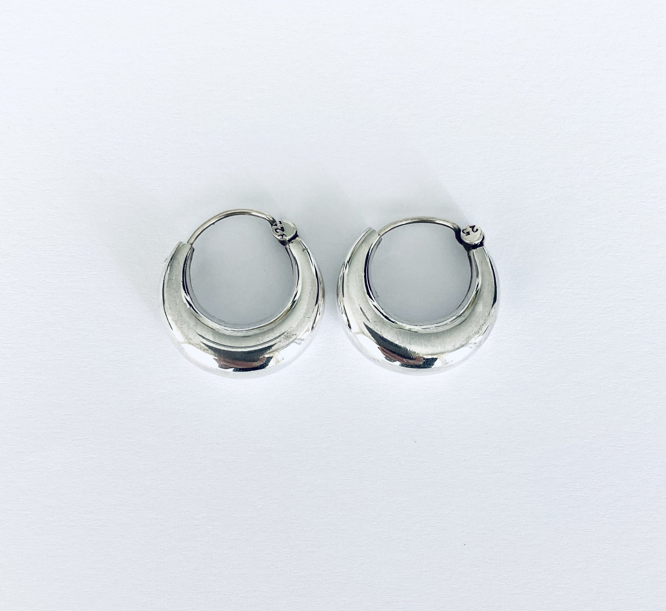 Zilveren creolen. 12 mm.