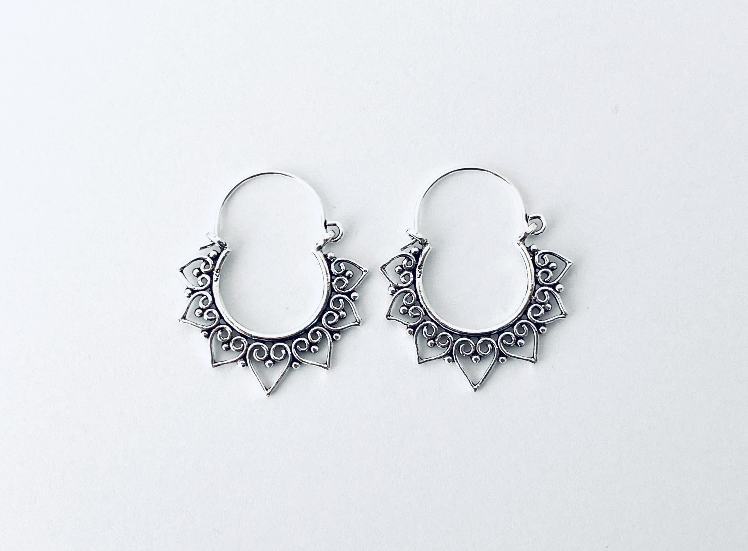 Zilveren oorringen.14 mm.