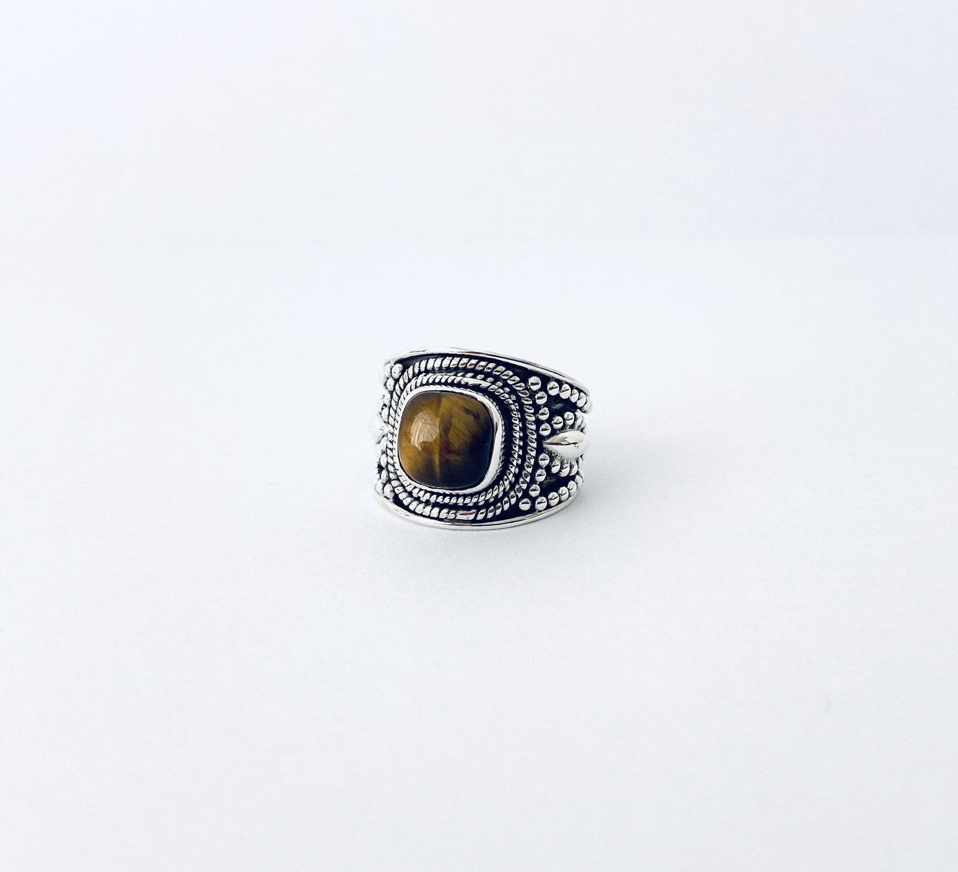 Zilveren ring met tijgeroog