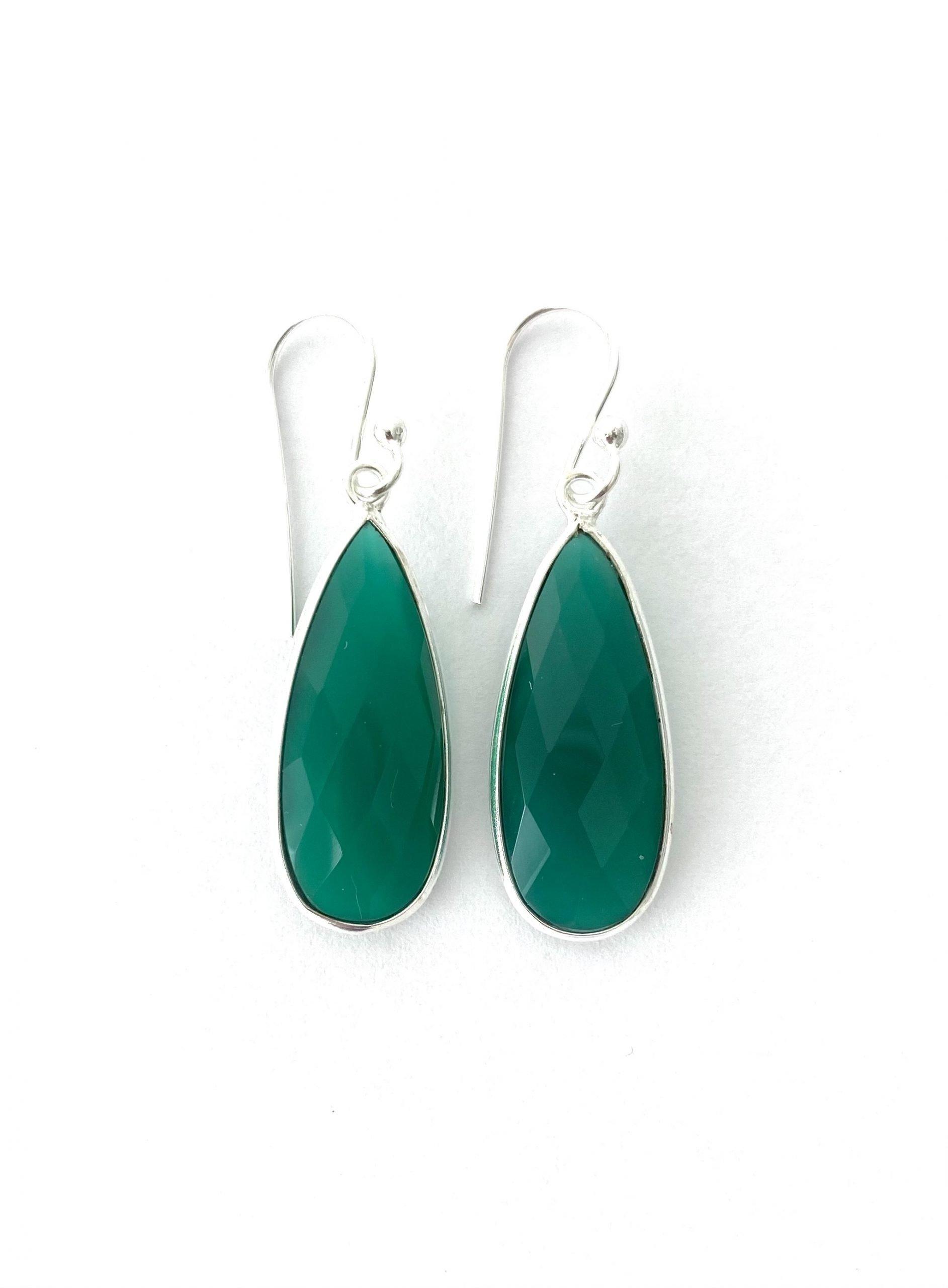 Zilveren oorbellen met groene agaat