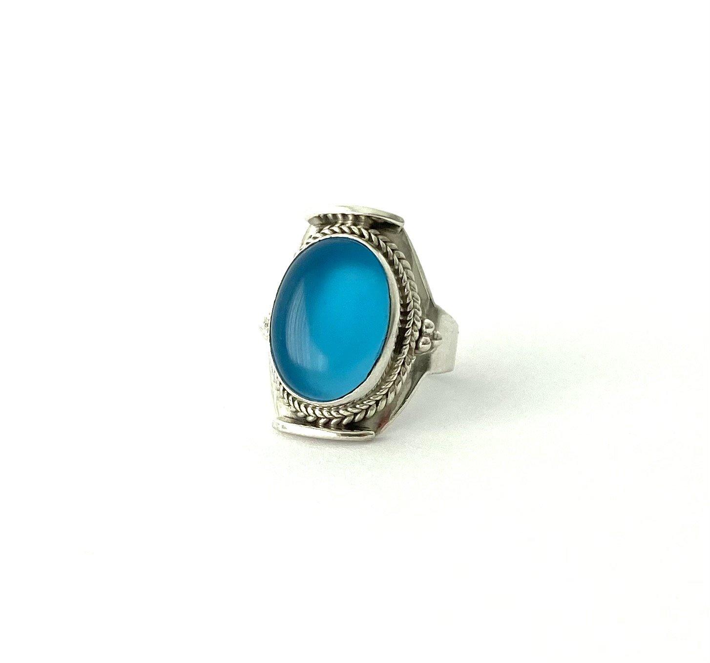 Zilveren ring met chalcedoon
