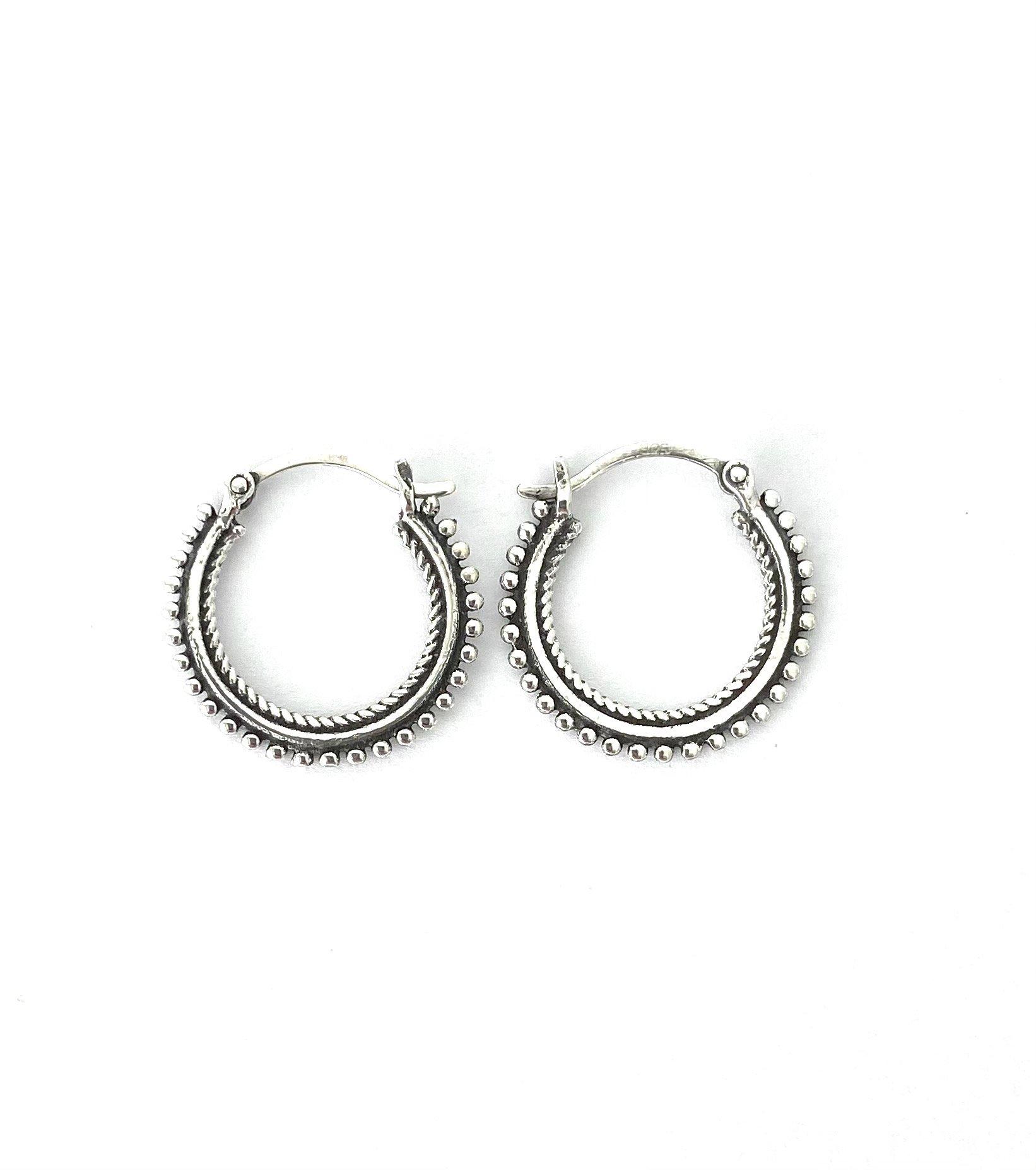 Zilveren oorringen. 14 mm.
