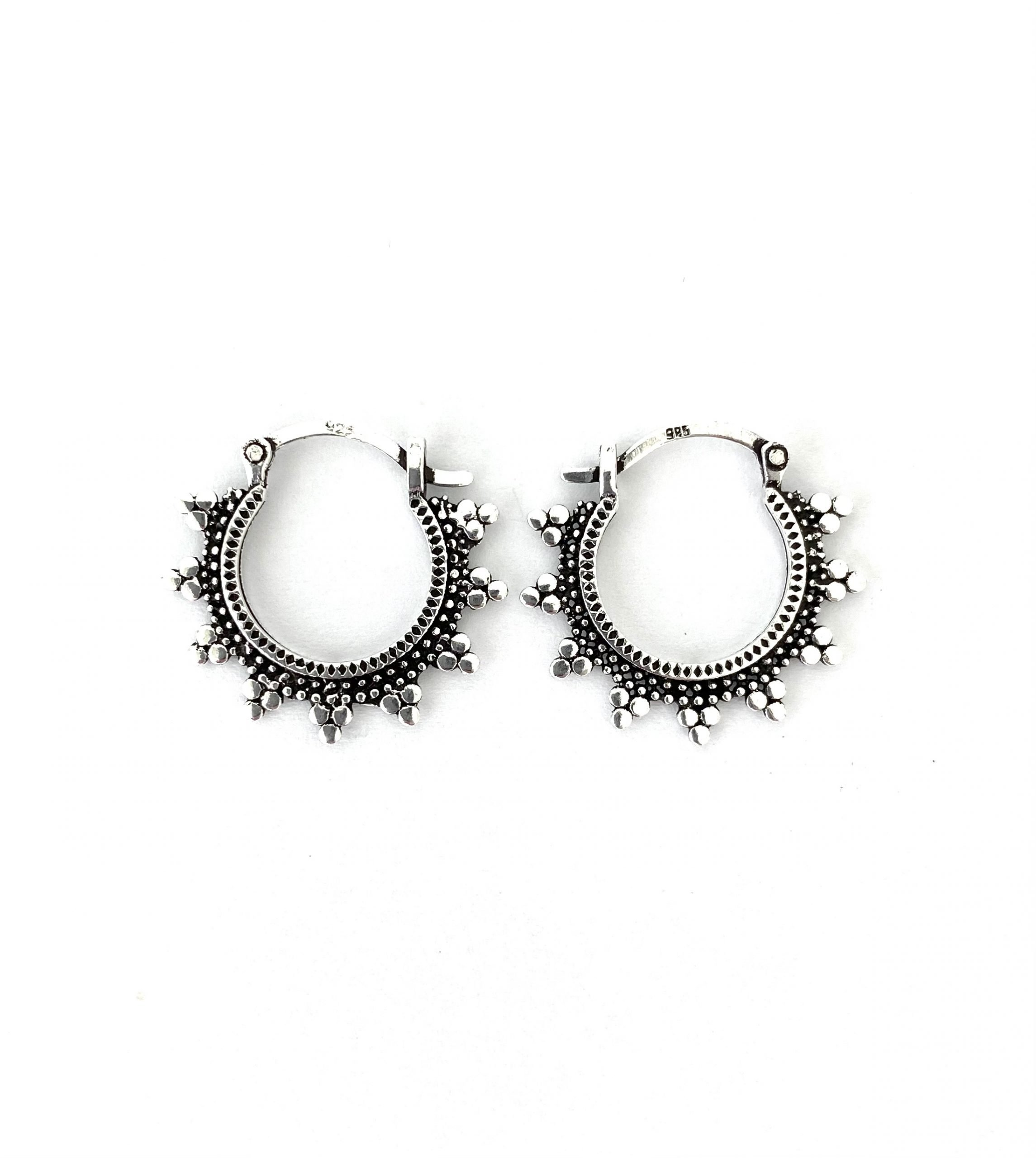 Zilveren oorringen. 12 mm.