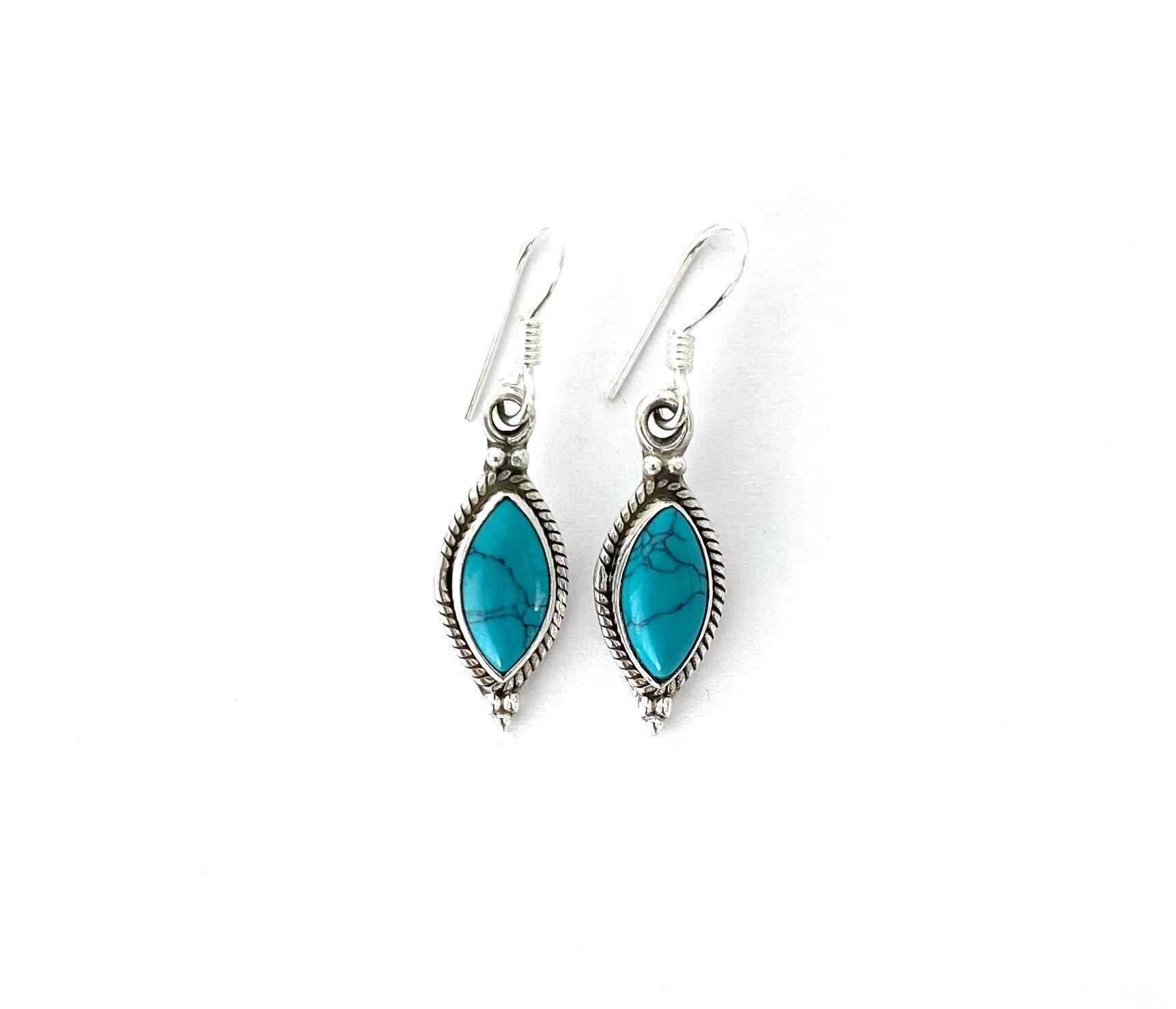 Zilveren oorbellen met turkoois
